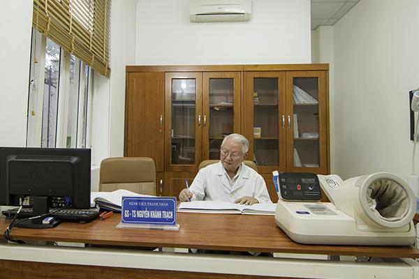 Giáo sư Nguyễn Khánh Trạch
