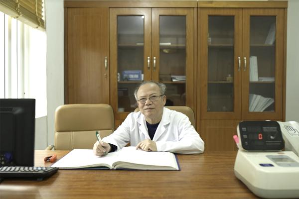 Giáo sư Hoàng Công Đắc